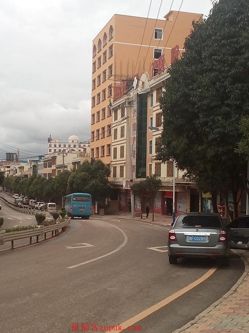 威宁草海独栋3800平酒店物业超低价整租