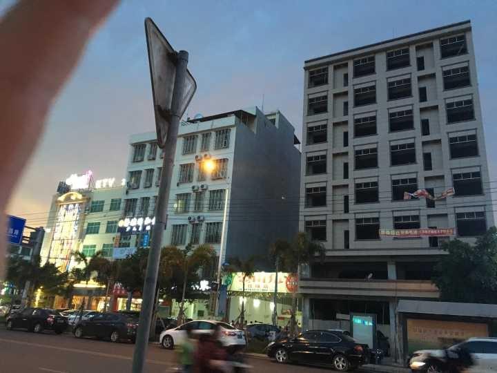 海南西部中心城市正街大楼出租