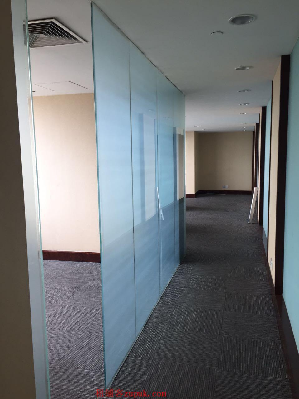 滨海圣光皇冠假日酒店【123平米商铺出租】