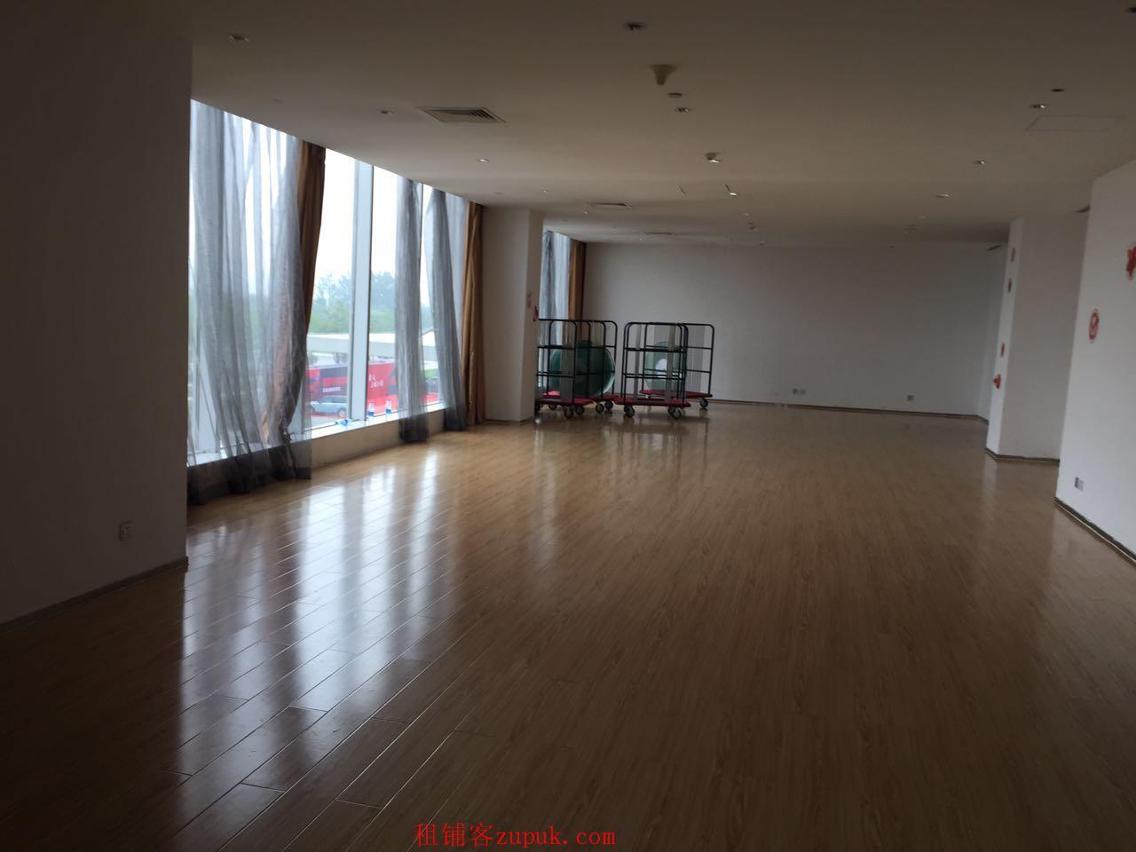 滨海圣光皇冠假日酒店【188平米商铺出租】