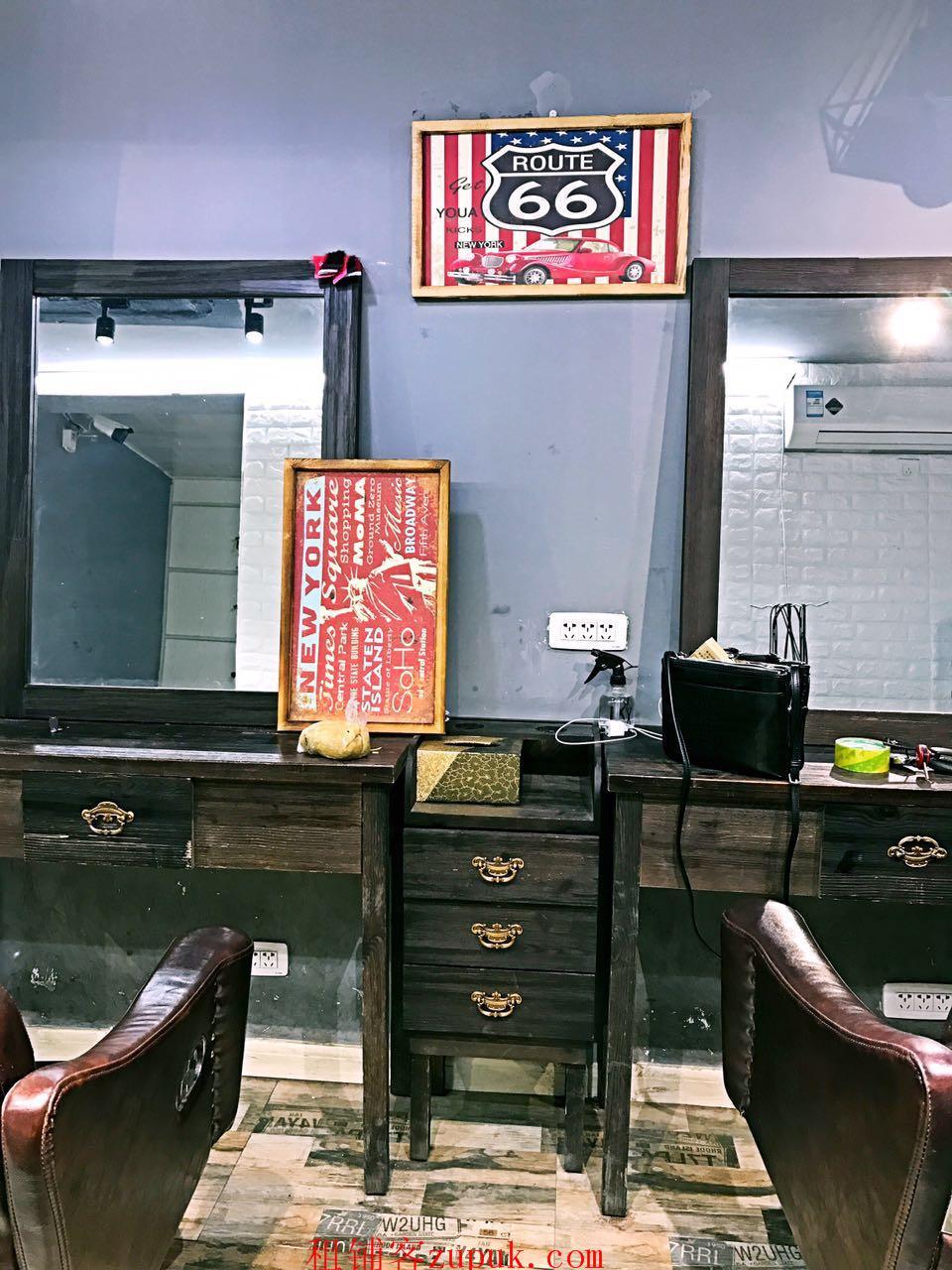 东大桥繁华地段新装修美发店转让人流大