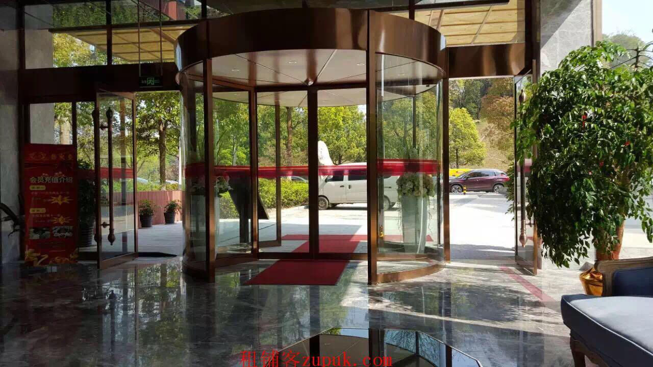 长沙河西麓谷公园酒店一楼临街门面 80平