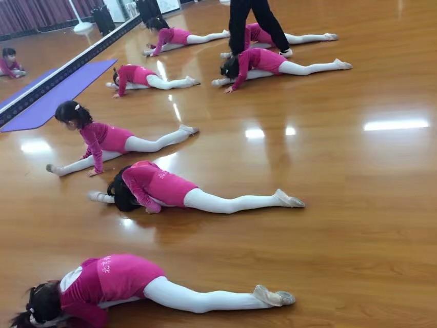 舞蹈培训中心低价转让