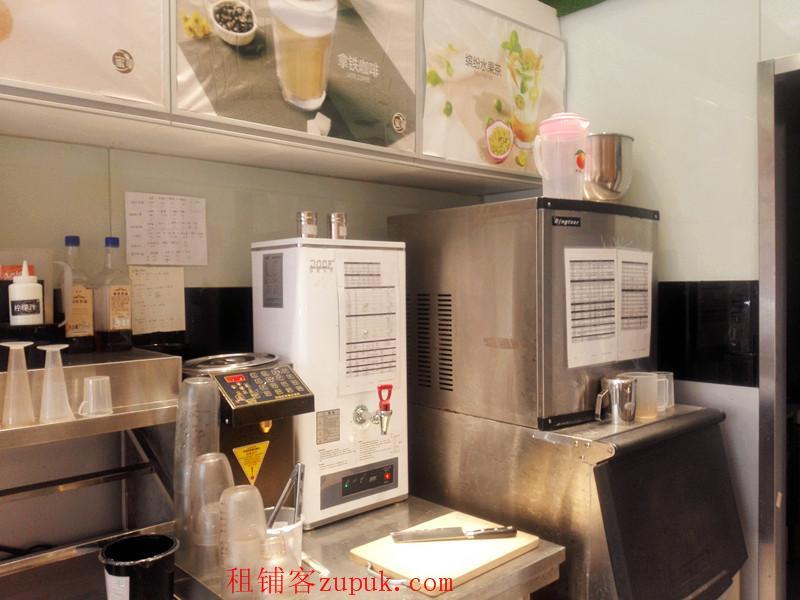 光谷商业街入口奶茶店见钱就转 机不可失