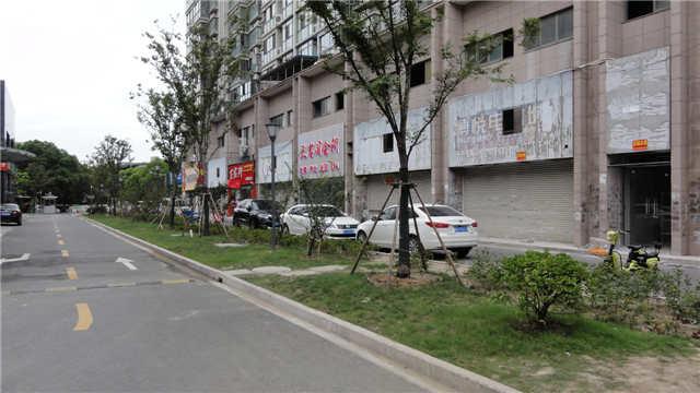昆山博悦广场1-3层商铺岀租
