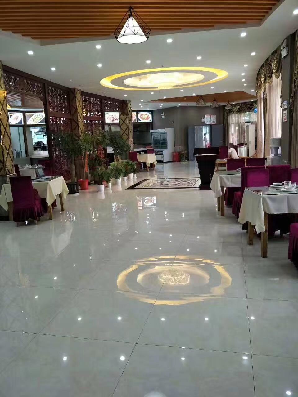 大型餐饮豪装酒店整体转让接手可盈利
