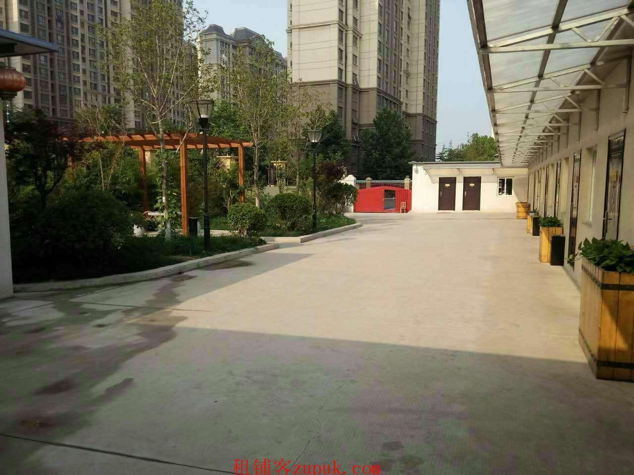 出租中林路尚品燕园南侧带院500平米饭店