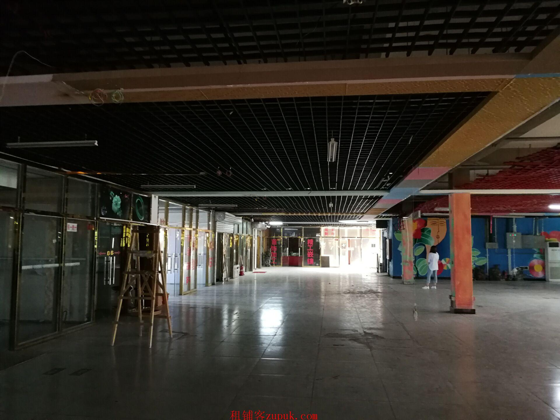 房山繁华商业街商业楼出租一、二层1900平方
