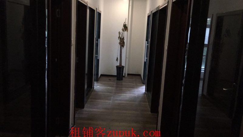政务区精装门面房