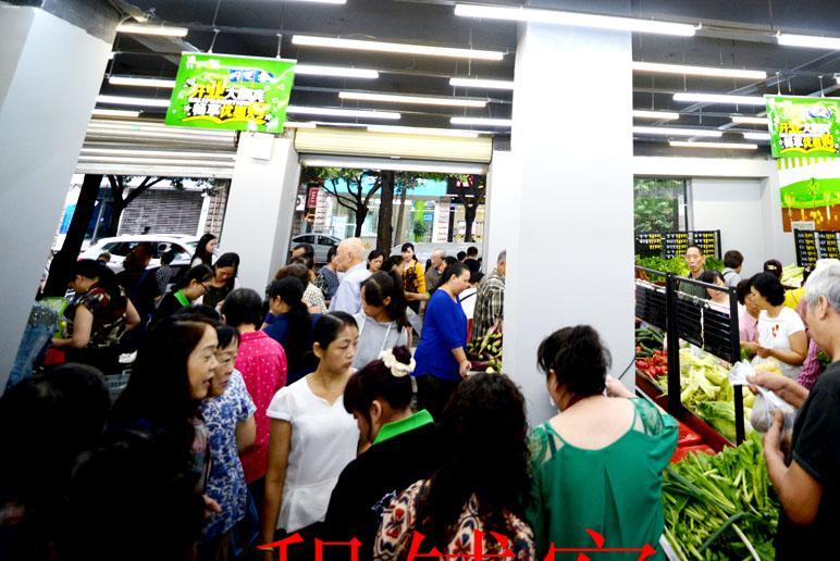 小天西街 商铺转让 底层 人流大 精装修 生鲜超市