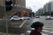 呈贡新区七彩商城入口处新铺招租