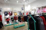 江津区珞璜工业园区62㎡品牌服装店低价转让