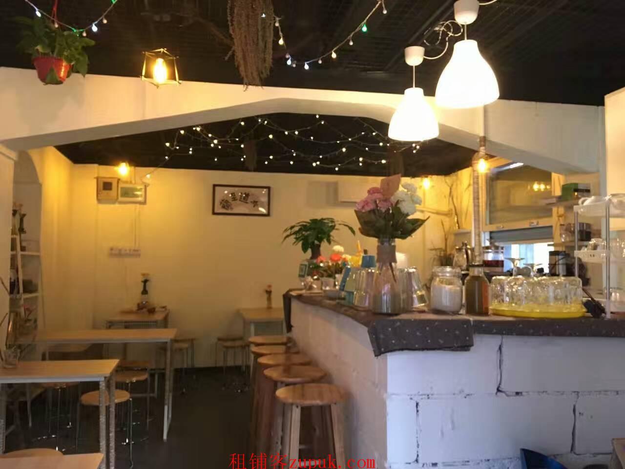 海珠区咖啡小店新装修,可做冷饮或工作室