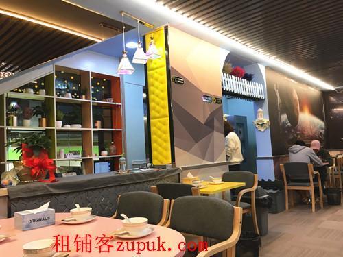 整租全新装修的特色餐厅无转让费