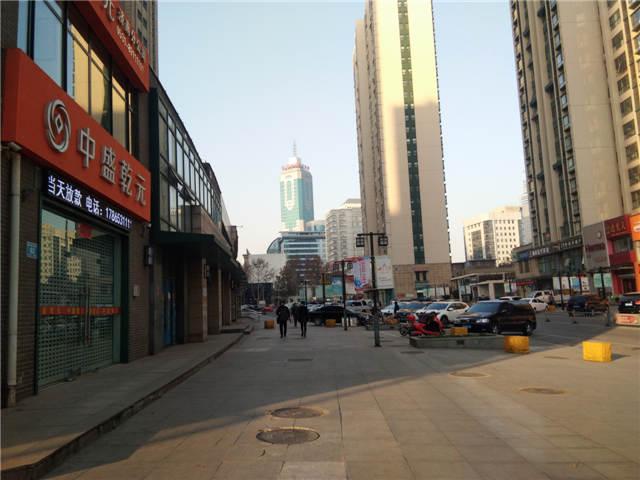 出租 市中万达广场商业街商铺750平 500平 460平