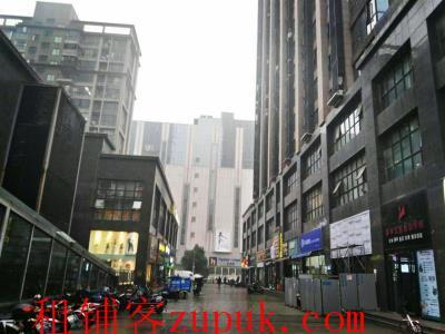 繁华商业街300㎡拐角盈利餐饮店转让(带免费停车位)