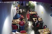中高档小区三岔路口150m2餐饮店转让(可空转)