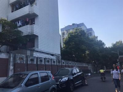 湖大学生公寓出入口135平盈利超市特价急转