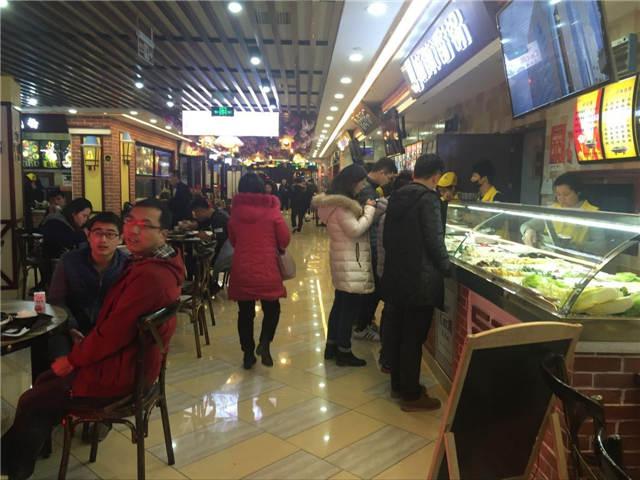 七浦路商圈 地铁站口   餐饮店急转