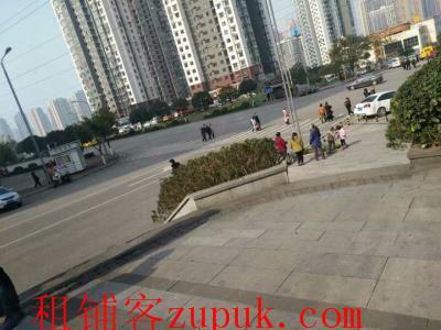 九龙坡大型社区十字路口48㎡临街旺铺转让!