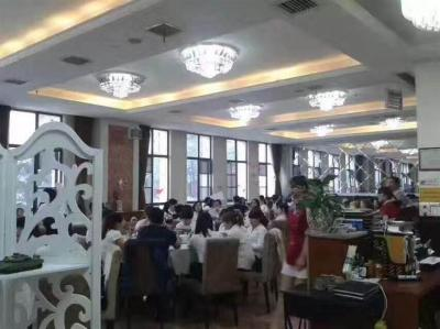 众多写字楼高档小区500㎡餐饮店低价转让(联营或转租)