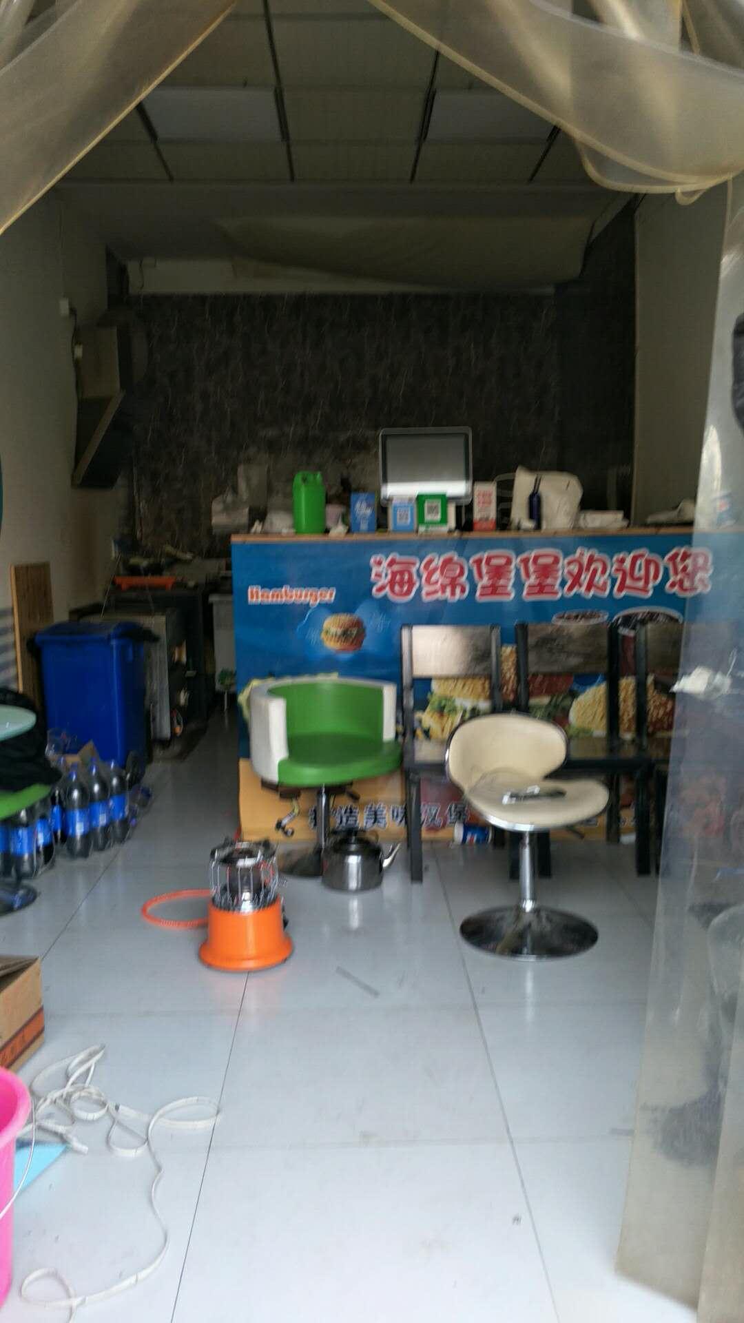 柳阳街小型商铺直租带装修无转让费地理位置好价格便宜