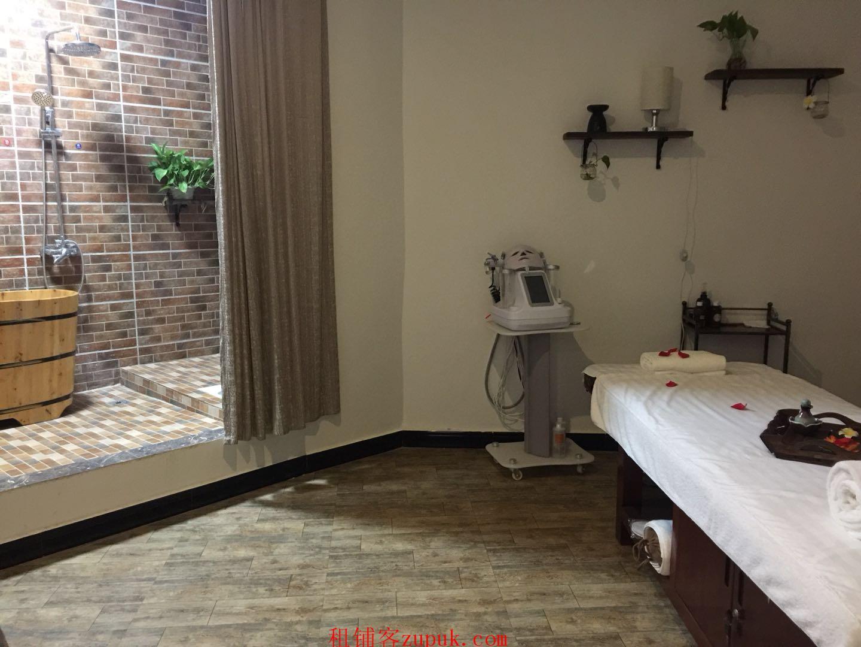 巴国城后门精装修美容院转让