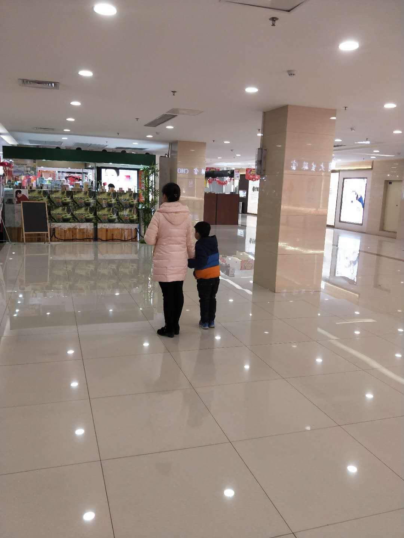 出租新郑龙湖购物百货中心