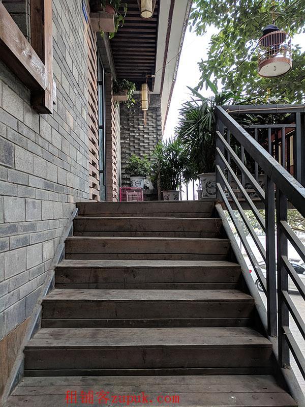 成都新繁东湖森林广场西北角两层转角旺铺出租,业态不限