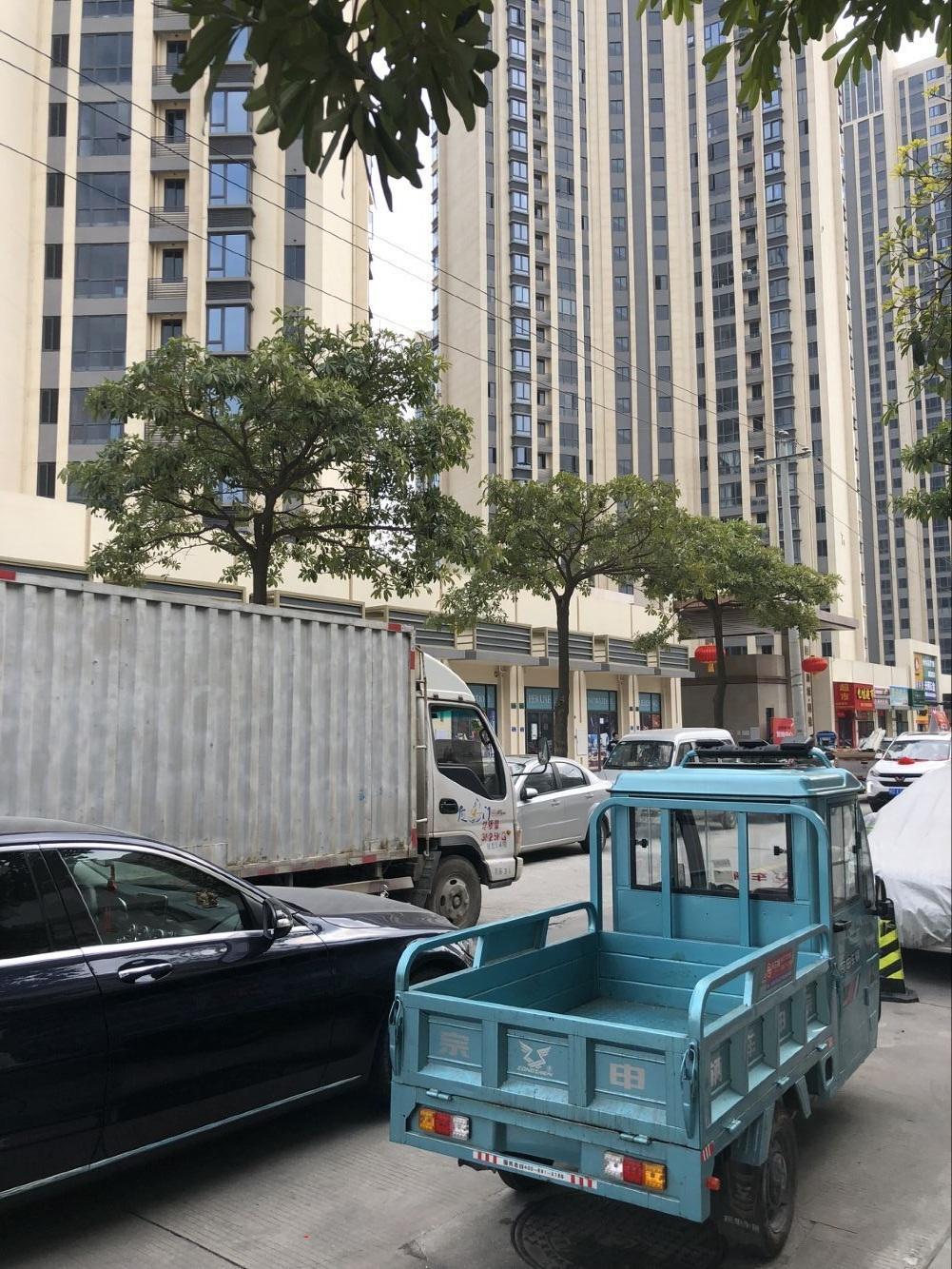 出租集美国贸商城同悦小区对面商场