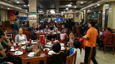成熟小区出入口850㎡大型餐饮店优价转让或出租