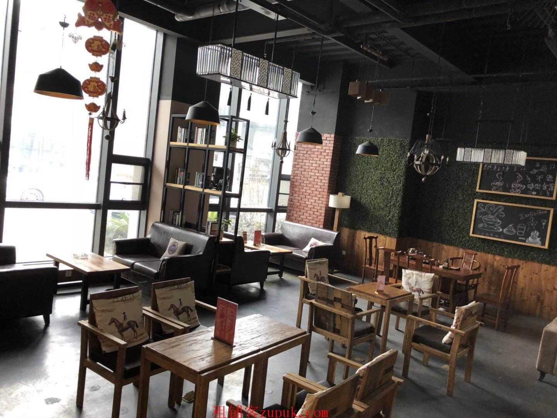 静安路华美达安可酒店一楼咖啡厅