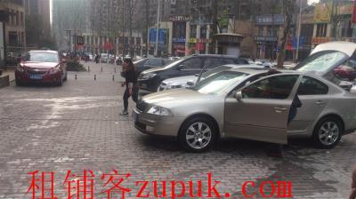 成熟小区盈利汽车美容店低价急转拉 设备齐全(可空转)