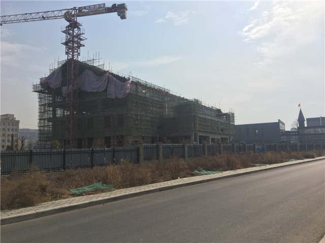 灞河边新建5层建筑8000平米带独院