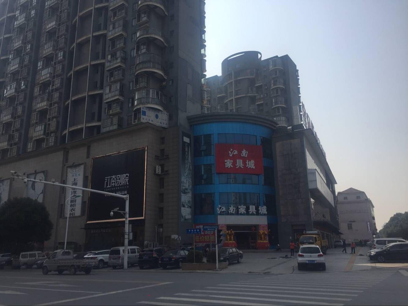 南昌县江南家具城3楼3900平面可分租