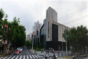 松江区沪松公路餐饮旺铺出租,商场外沿街一楼的旺铺!
