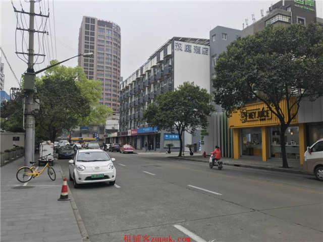 松江新都汇风情酒吧+VR影城自带商超沿街门面