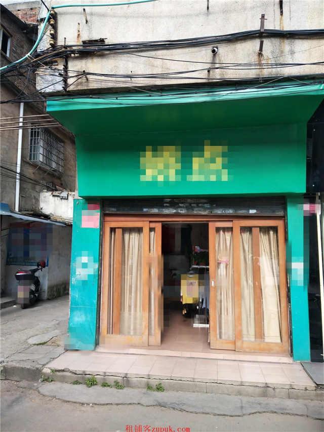 学校门口(出租),装修新颖,带阁楼,便利店4500+
