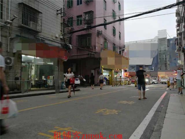 城中村住宅入口(邻主街)商场步行街道
