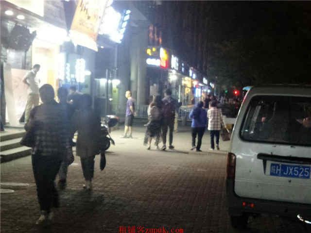 浦东张江高科创业园区沿街一层旺铺招租