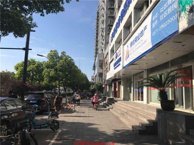 西湖区教工路135方临街旺铺出租(非中介无转让费)