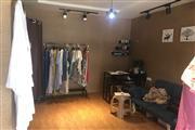 九龙坡周边高端小区旁服装店转让