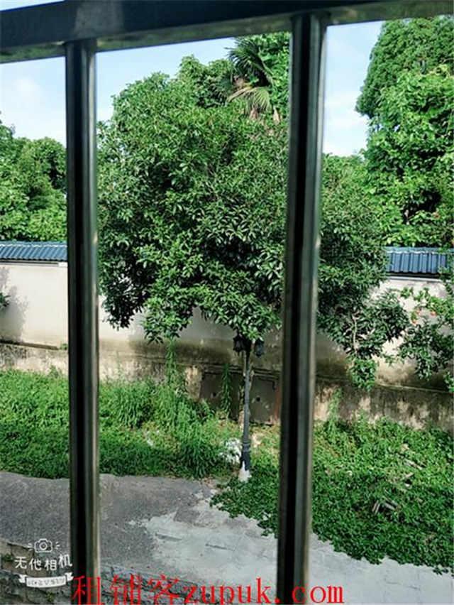 清镇红枫湖会议中心旁3000平盈利山庄低价转让