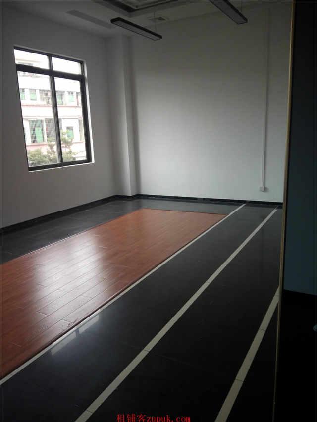 番禺广场 区政府旁85方写字楼出租 欢迎外贸公司