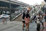 金牛BRT公交站台旁盈利小吃店转让(可空转)