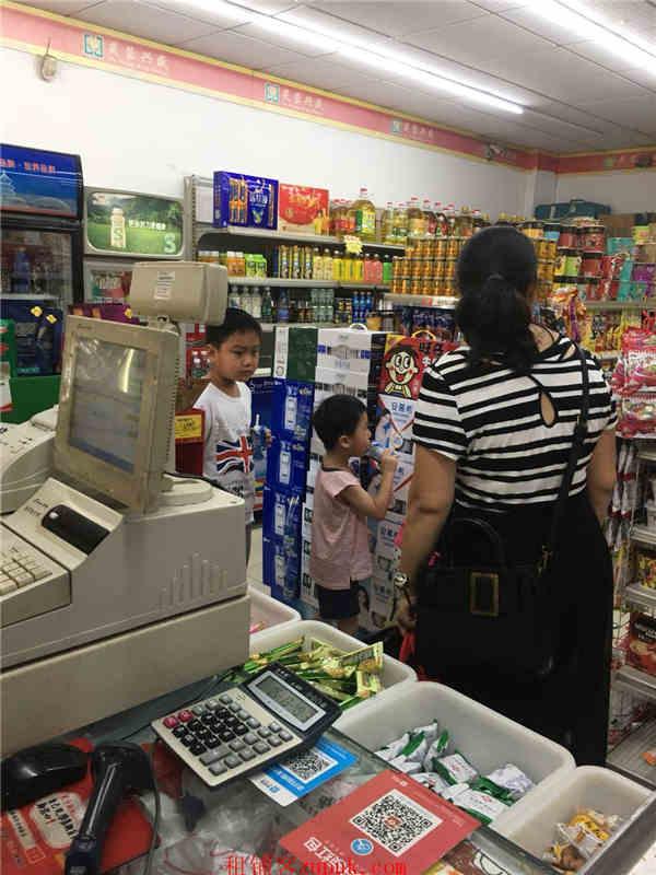 菜市场对面88㎡超市棋牌店转让