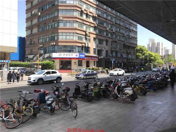 长宁成熟商圈沿街一楼 十字路口 临近地铁 无转让费