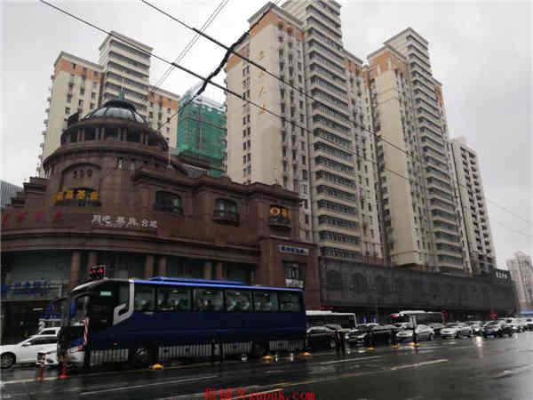 宝山大学城附近沿街一层旺铺招租,业态不限