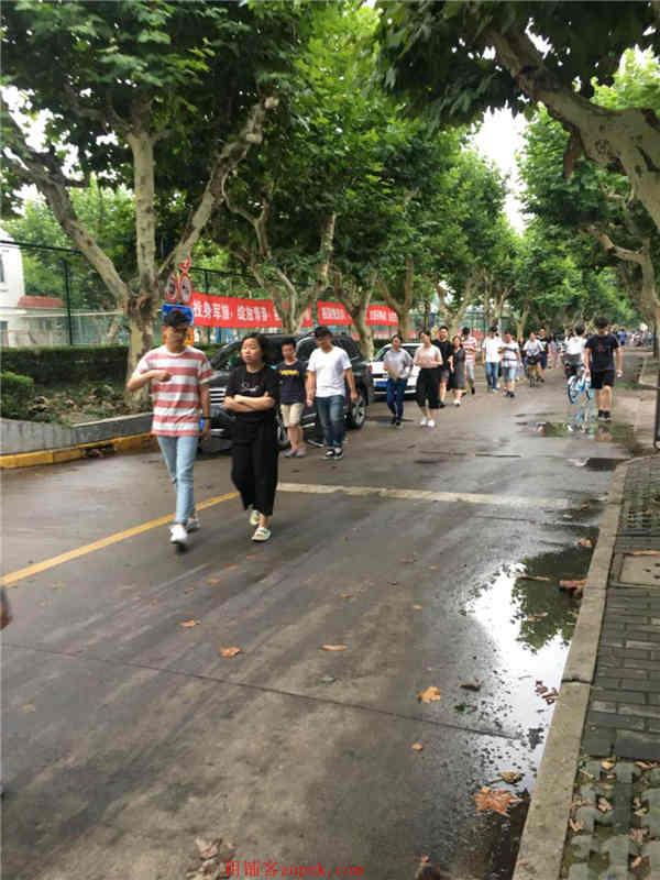 漕宝路宝龙城沿街门面业态不限
