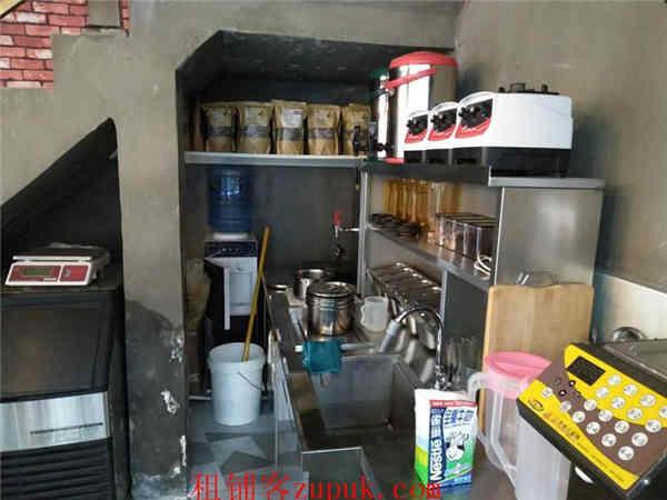 观山湖区恒大中央广场转让奶茶品牌与设备